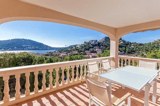 Refurbished flat with harbour views in an idyllic surrounding in Port Andratx
