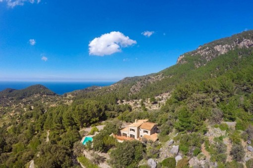 Classic finca with sea views with absolute peace in the mountains of Estellencs