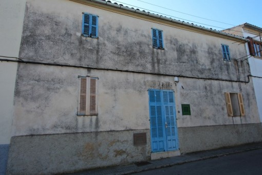 дома на Maria de la Salut