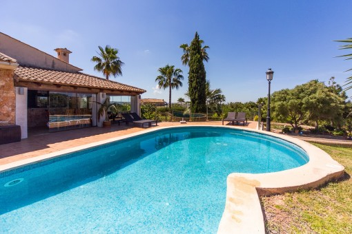 Impressive country house in Puntiro - overlooking the sea and Palma
