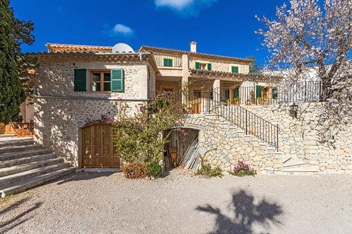 Refurbished Majorcan country house in Galilea with dreamlike sea views