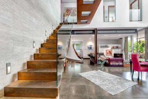 Light-flooded stylish property with...