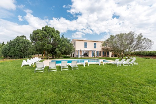 Beautiful, Mediterranean-style, newly-built finca with touristic renting licence near Felanitx