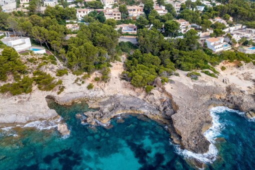 Wonderful building plot on the first sea line in Font de Sa Cala
