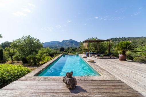 Luxurious, loft-like finca property near San...