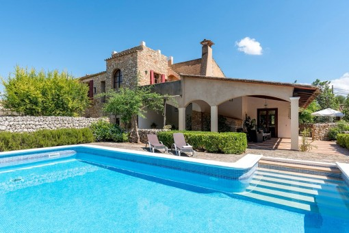 Romantic finca near Felanitx on a large plot, with swimming pool