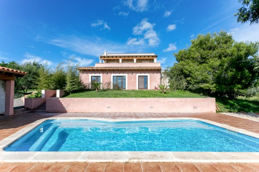 Beautiful finca with pool near to Son Carrio
