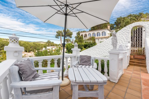 A comfortable Ibiza-style 6-bedroom villa with...