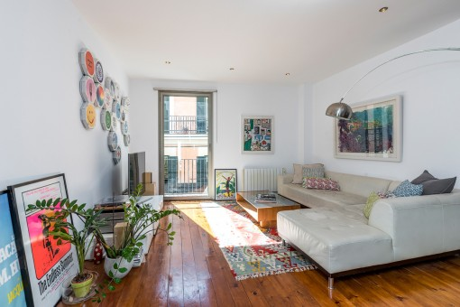 Modern, old-style apartment in the Sindicat district of Palma