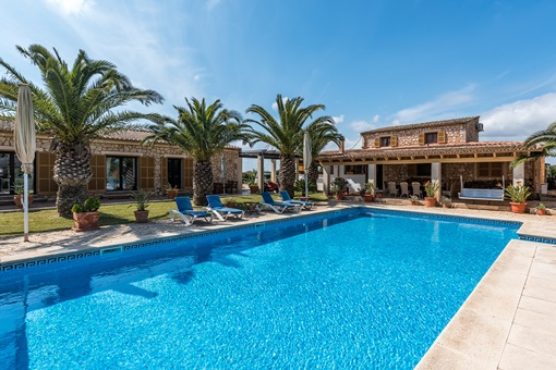 Charming finca with guesthouses in idyllic location in Campos