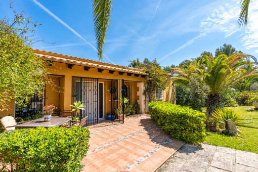 A traditional style single family house with a swimming pool in a tranquil location in Santa Ponsa