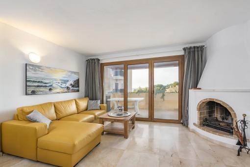 Sea-view apartment in a quiet location in Nova Santa Ponsa