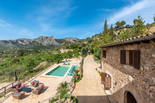 Charming finca with views over the valley in...