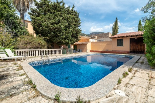 Marvelous old town house with great patio and pool in the heart of Alaró