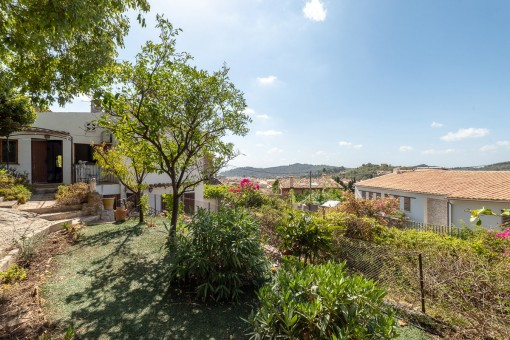 Village-house with garden and views in Alaro
